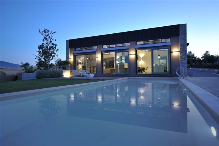 Thiva house with an outdoor swimming pool