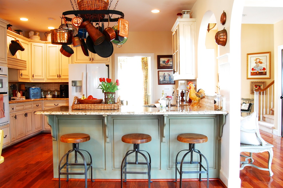 Kitchen Island and stools