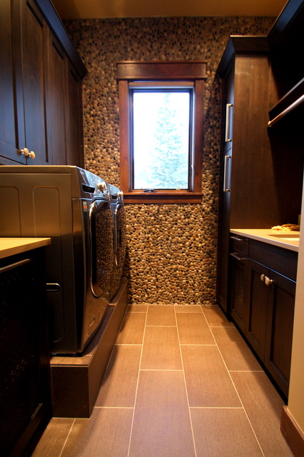 brown color bathroom