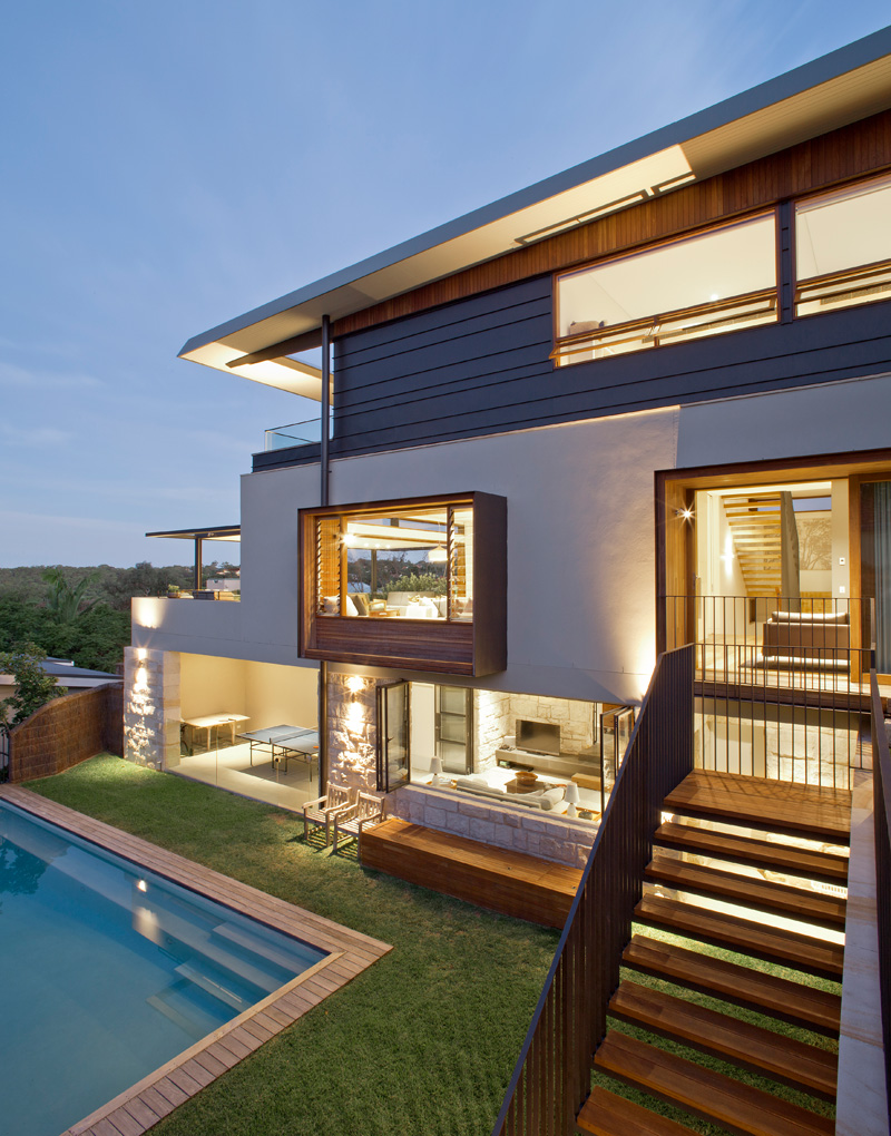 Contemporary corner site house overlooking middle harbour for Modern house website