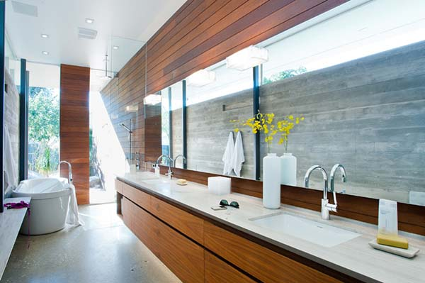 Long and narrow bathroom design