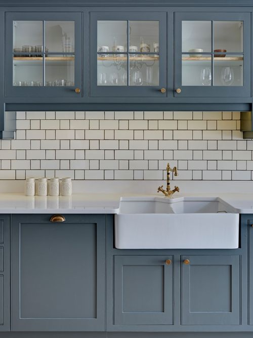 white-tiles-backsplash