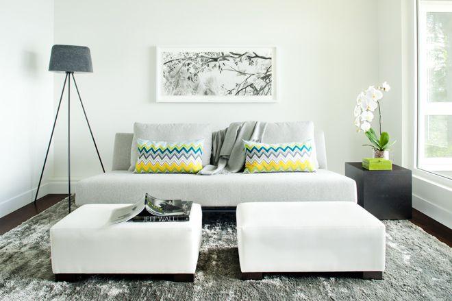 Polychromatic cushions