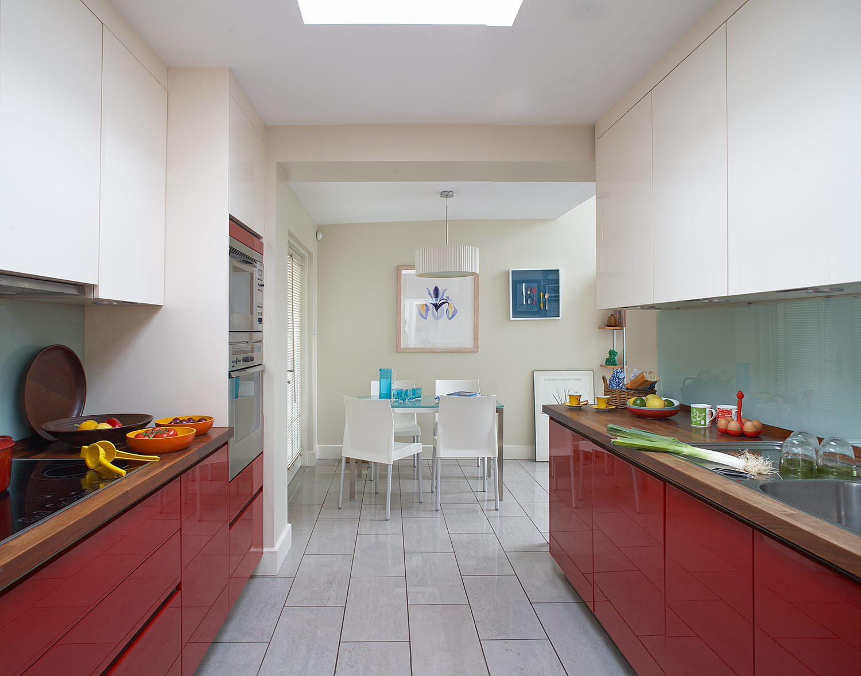 red and white kitchen backsplash