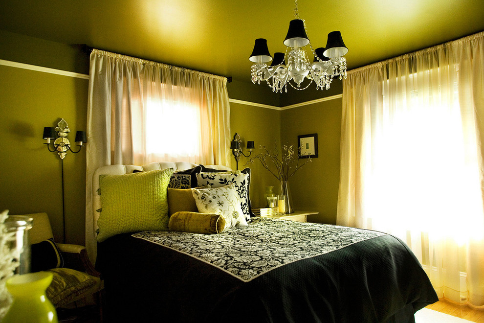 After Entering Into This Room One Must Say Oh You Do Love A Lot Of Green Don T Yap Why Not Let It Be No Wrong With That