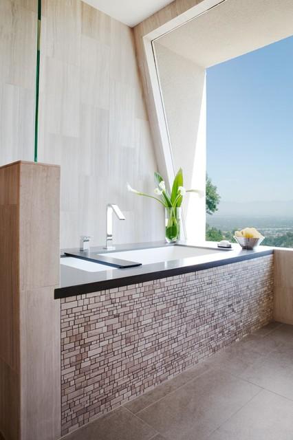 Contemporary Bathroom Remodel in Los Angeles
