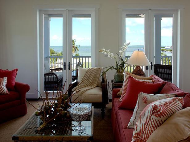 Tour Living Bay Views