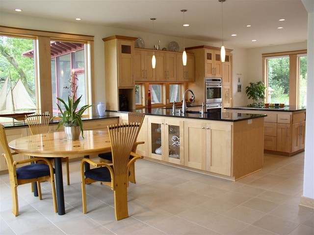 Kitchen design with subtle decorating idea