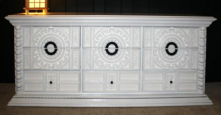 Thischest of drawer will work wonders in both modern and vintage décors