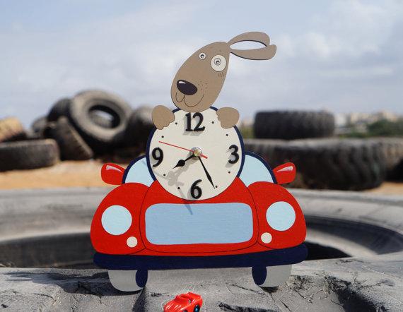 Animal themed cartoon clock