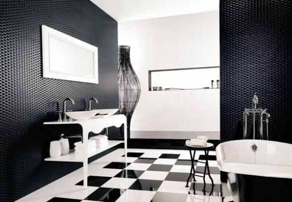 Black,white bathroom design