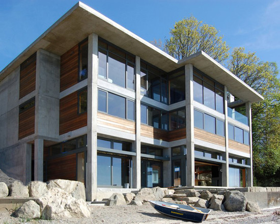 Bay house with Quantum windows and doors